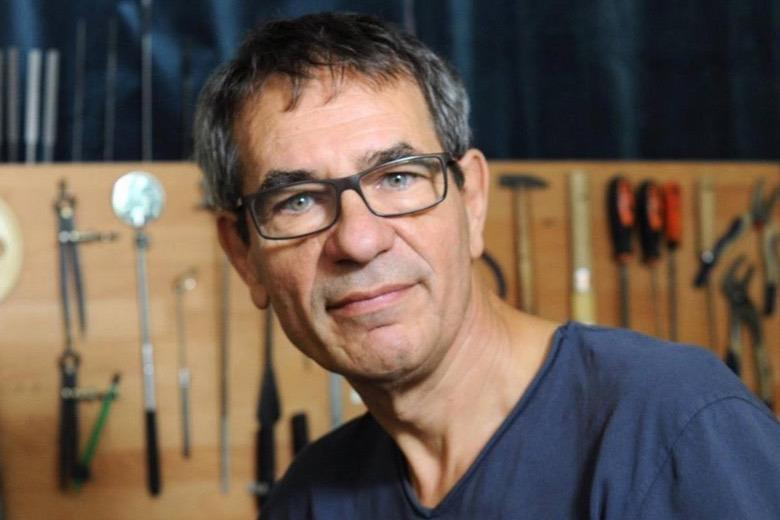 Double bass maker Patrick Charlton has died