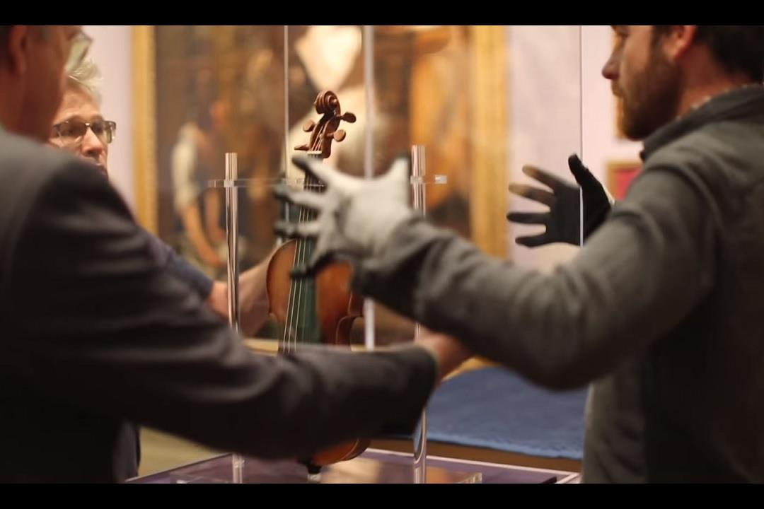 Paganini's 'Il Cannone' violin played in Columbus, Ohio