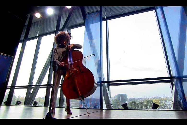 James Oesi plays the Bourrées from Bach's Cello Suite no 4 | Video