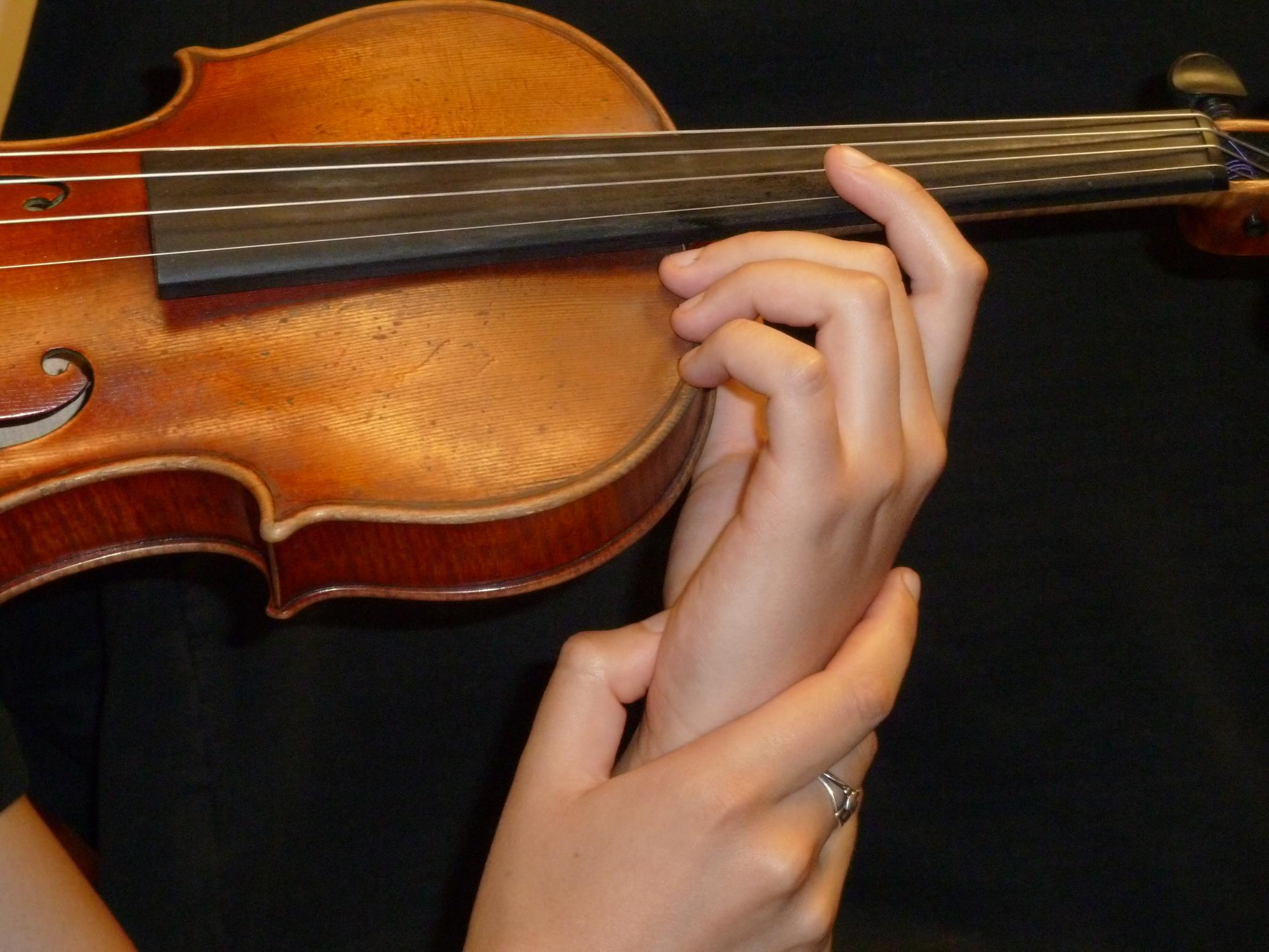 A step-by-step guide to mastering violin vibrato | Article