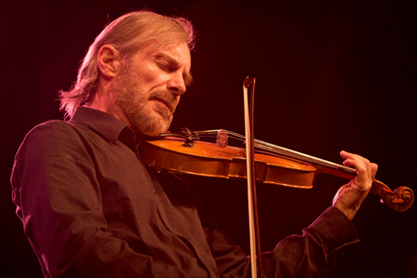 Jean luc ponty at the nice jazz festival 2008 c.guillaume laurent cc.by.sa.2