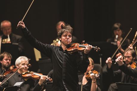 Joshua Bell with ASMF by Erik Kabik4_28_12_joshua_bell_smith_center_kabik-785-27