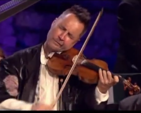 Violinist Nigel Kennedy performs Purple Haze | Article | The Strad