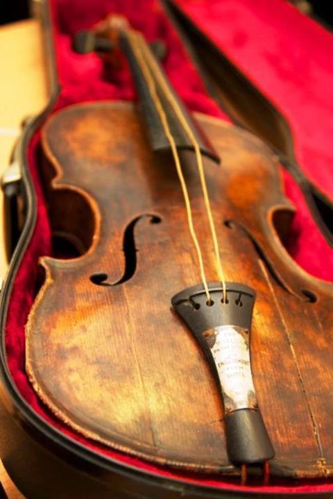 Titanic_Violin
