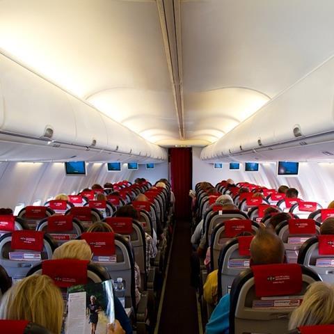 Norwegian_737-86N_cabin