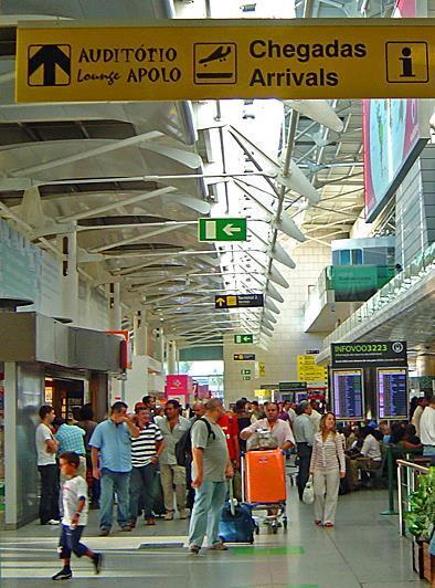 Airport arrivals1