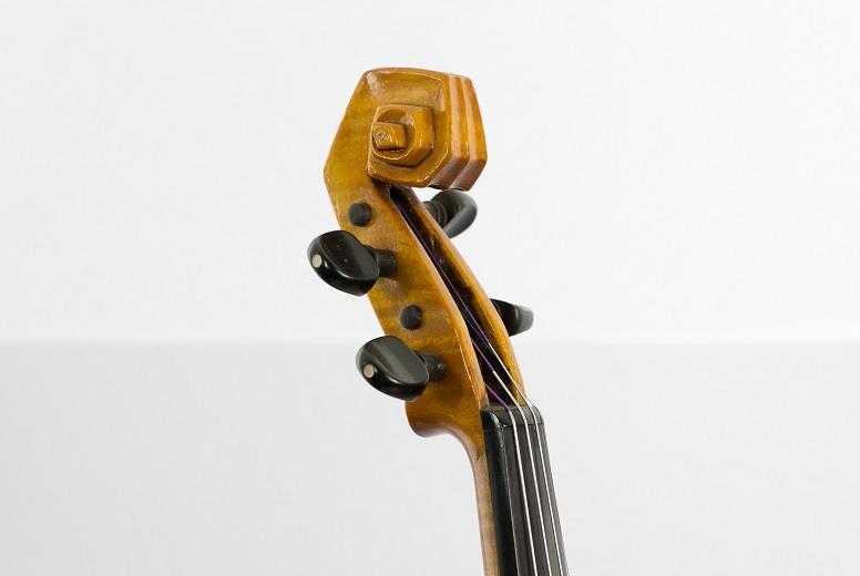 Detalhe do violino Brasiliano, de Guido Pascoli